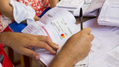 Ya están entregando las tarjetas para la reconstrucción de viviendas. Foto: istmopress.com.mx